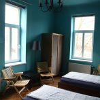 4-bed-dorm-turquise-room